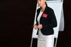 Frau Dr. Michaela Karsten